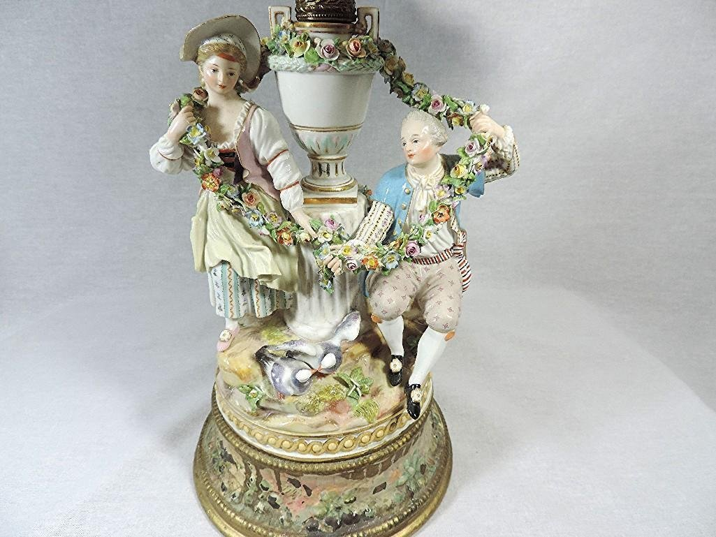 MEISSEN LIKE PORCELAIN LAMP