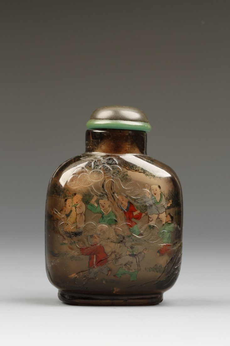 AN INSIDE-PAINTED SMOKY QUARTZ SNUFF BOTTLE of rounded