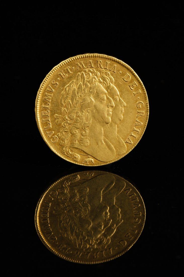 WILLIAM AND MARY (1689-1694): A GOLD FIVE GUINEA PIECE