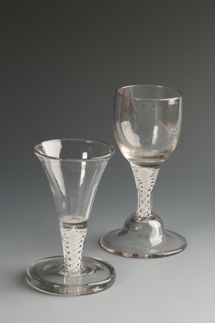 AN 18TH CENTURY 'FIRING' GLASS of short tapering form w