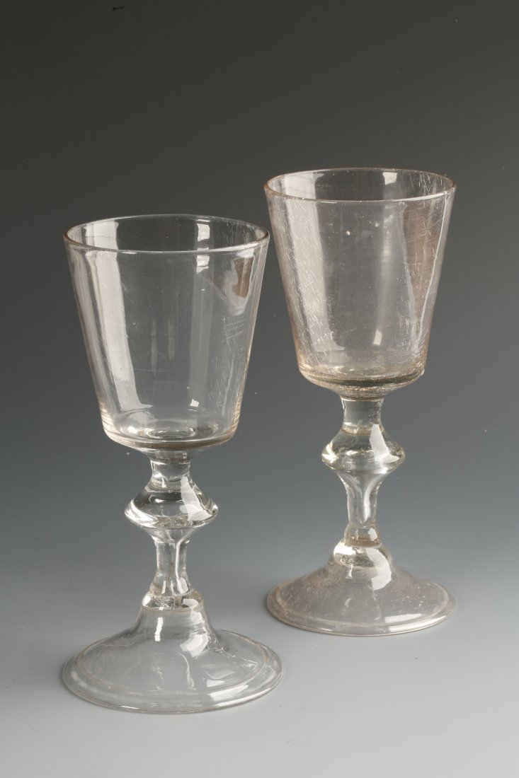 AN 18TH CENTURY WINE GLASS with a straight-sided bucket
