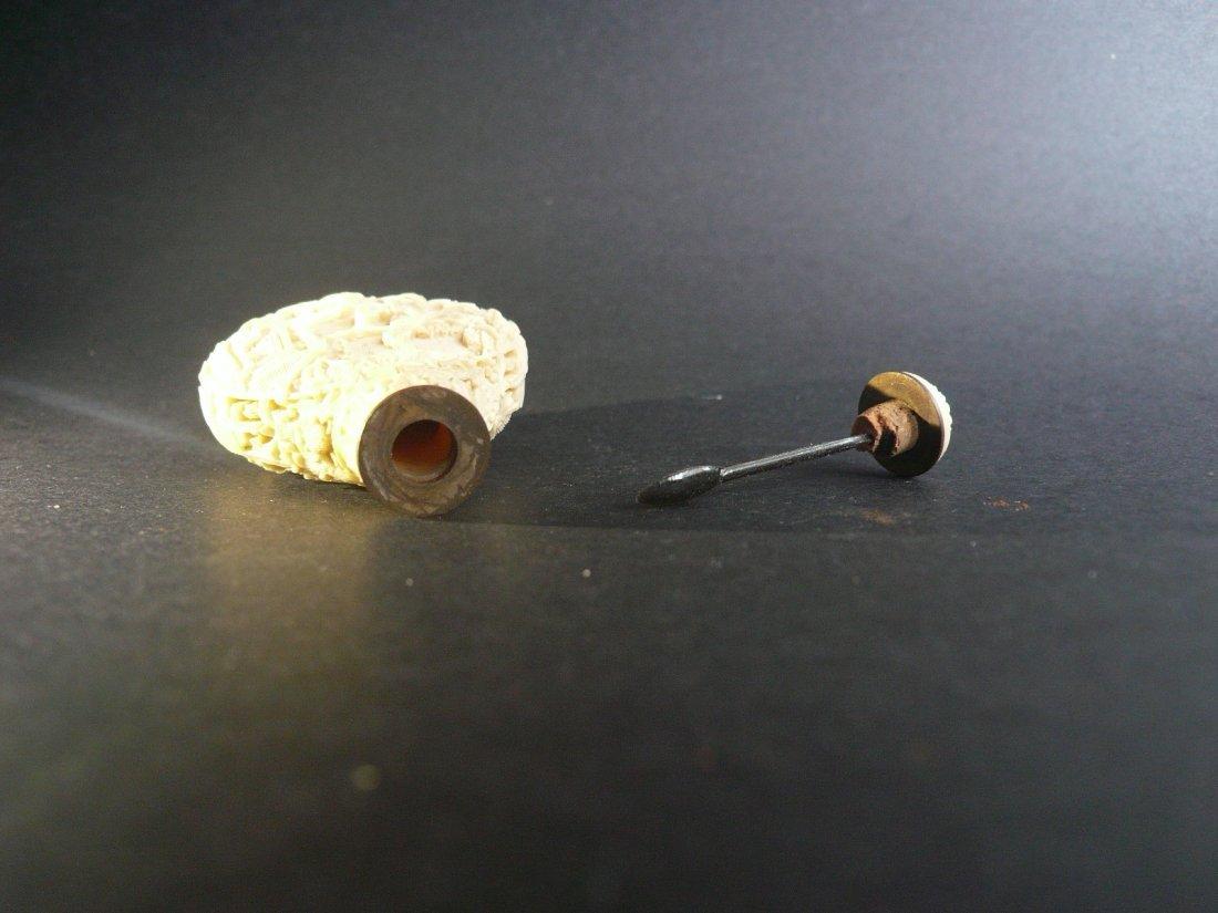 A Fine Carved Bone Snuff Bottle - 4