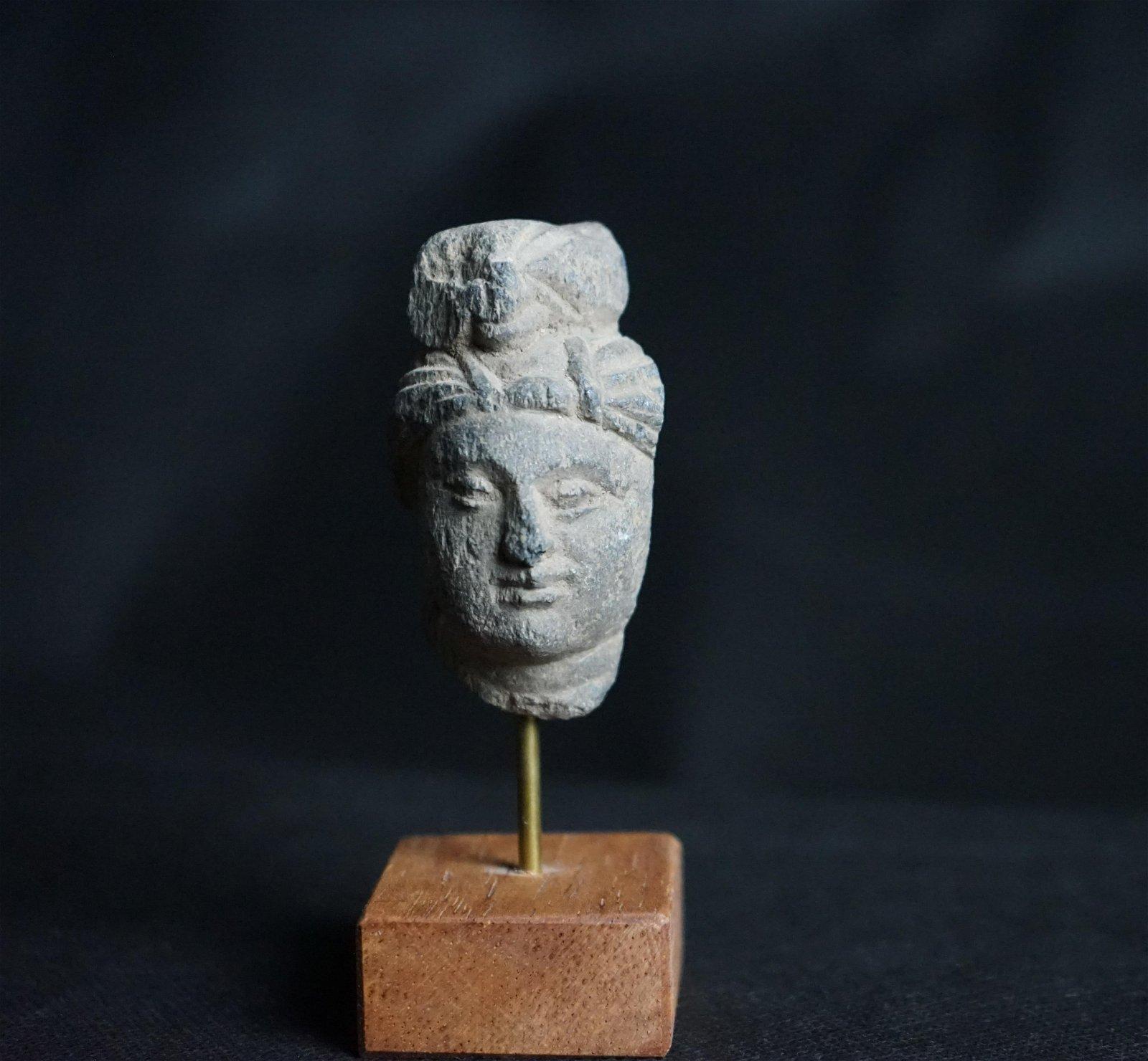 A Fine Smal Gandharan Schist Head