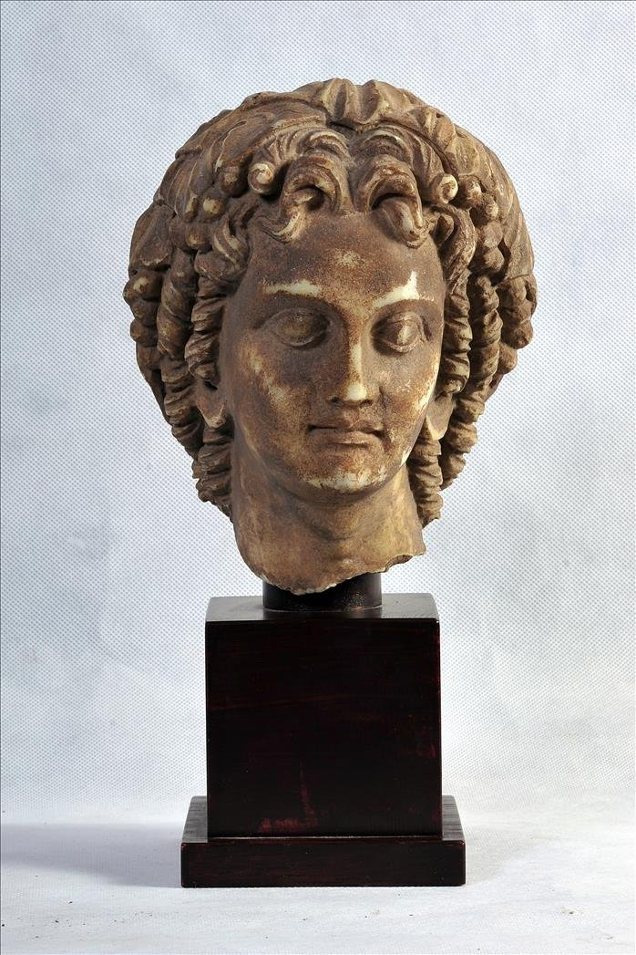 CLASSICAL/HELLENISTIC MARBLE BUST OF ALEXANDER THE GREA
