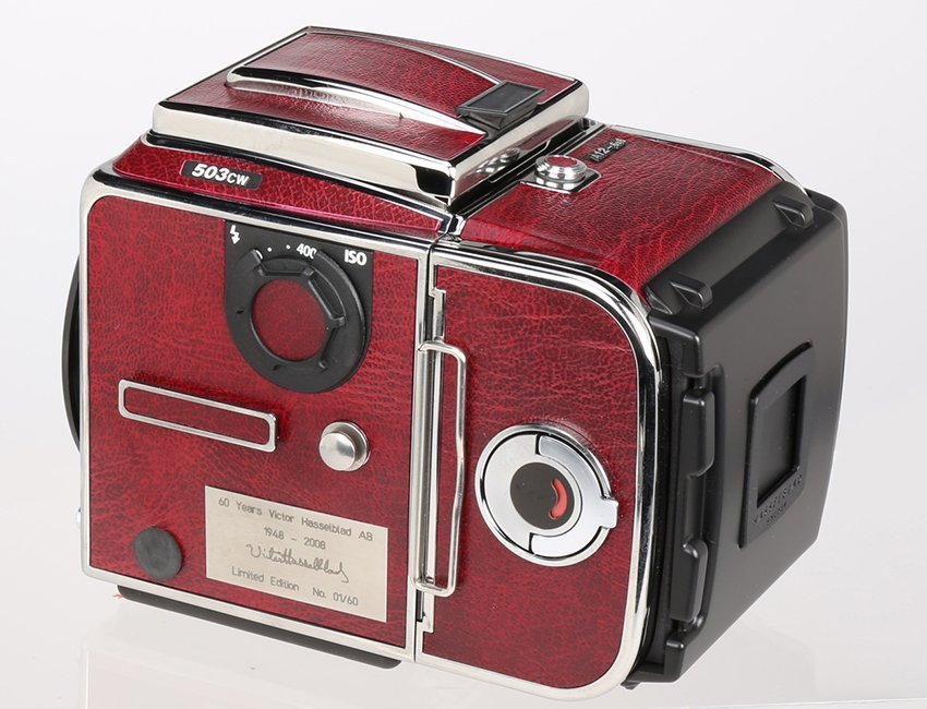 "Hasselblad 503CW ""60 Years Victor Red Edition"" - 2"