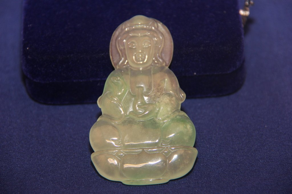 Jade Zhongkui statue