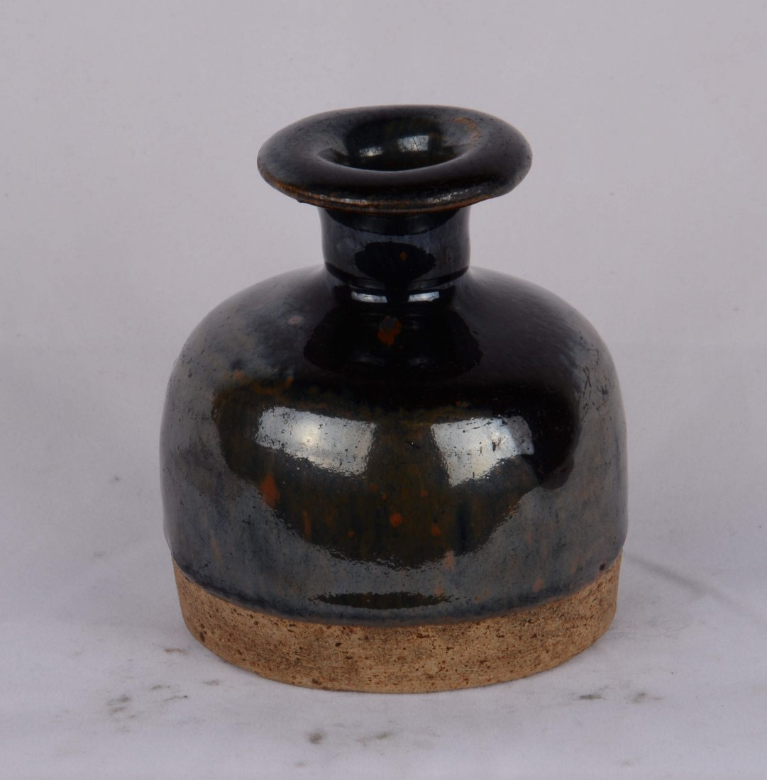 BLACK-GLAZED JAR