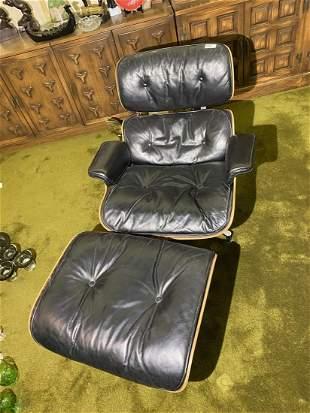 Vintage Mid Century Modern Herman Miller Eames Chair