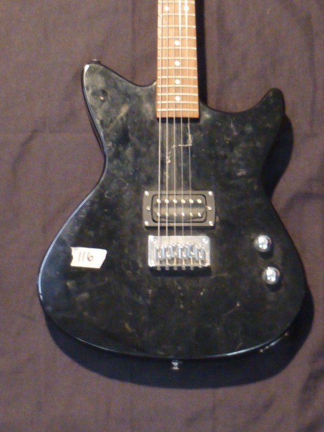 First Act ME431 Electric Guitar. - 2
