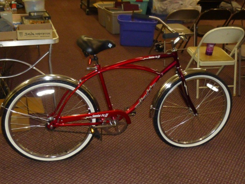 Huffy's Men's Retro-Style Bicycle.