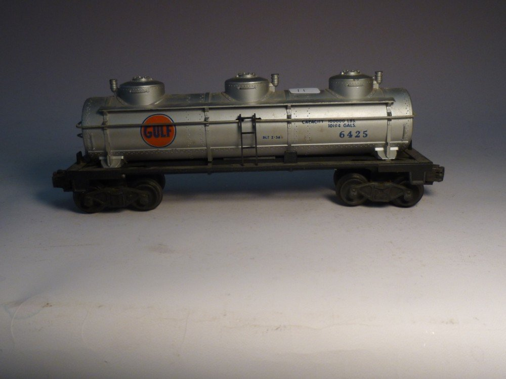 Lionel Model Railroad Tanker Car 6425
