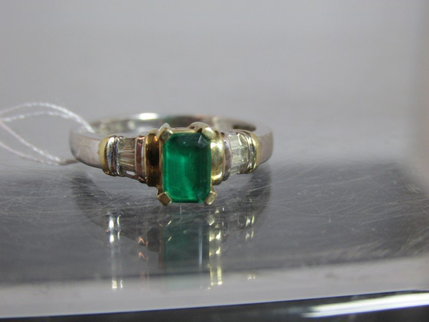 10k Emerald And Diamond Cocktail Ring.