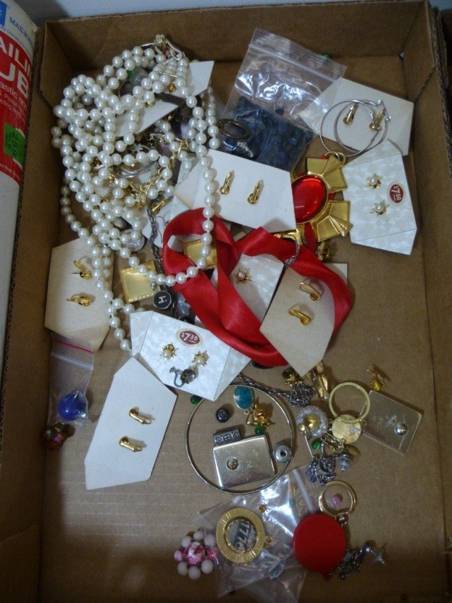 Group lot of costume jewelry.
