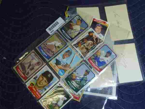 Large grouped lot of autographed baseball cards