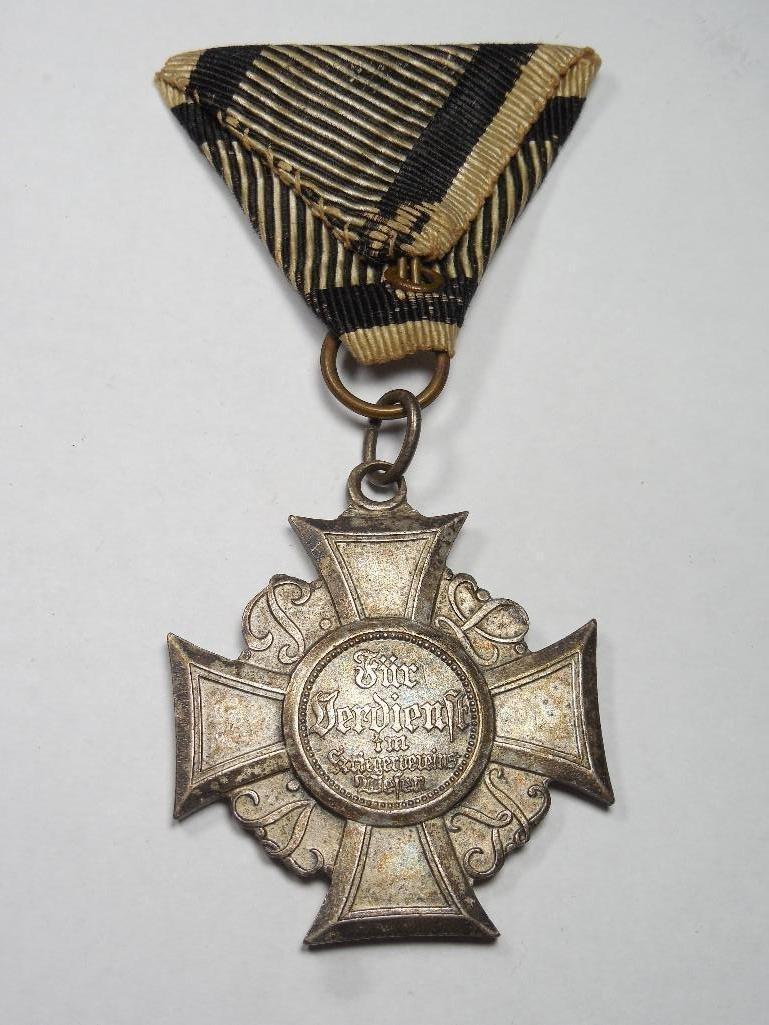 Unusual German War Veteran Merit Medal w/ribbon