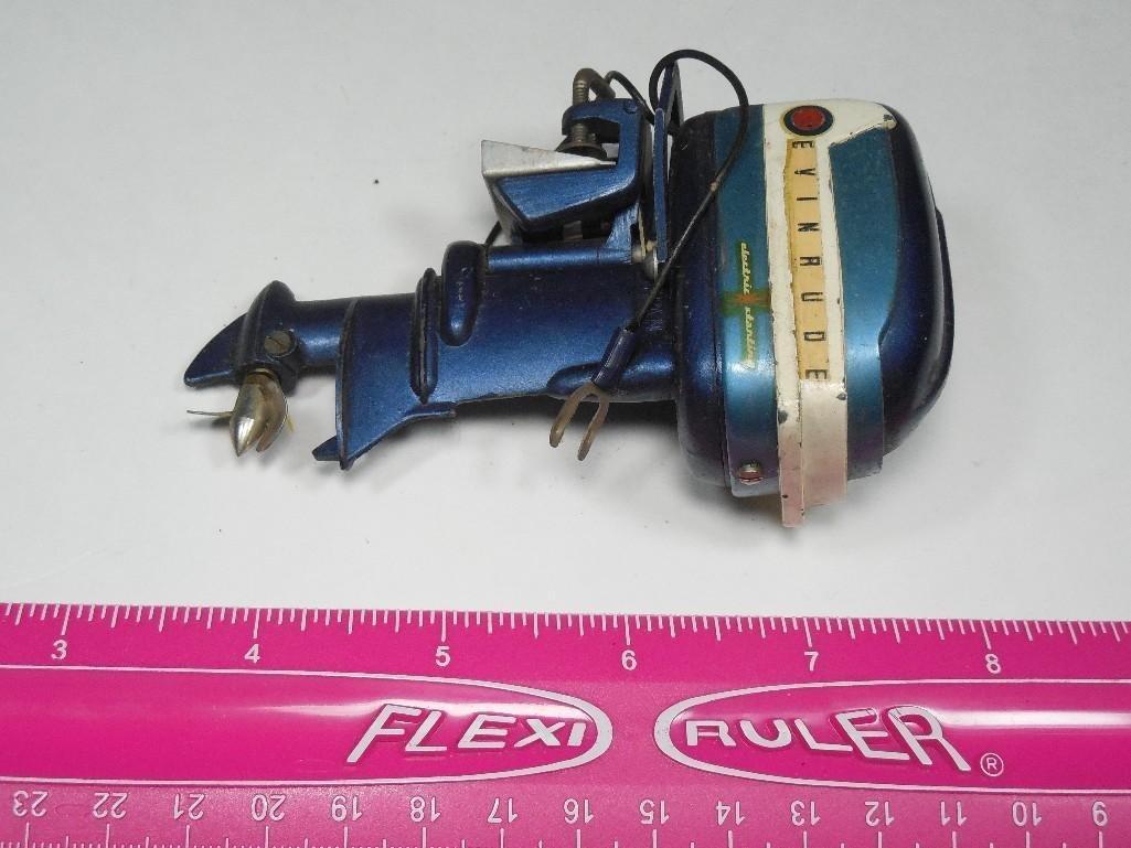 Vintage Evinrude Made in Japan Toy Boat Motor - 3