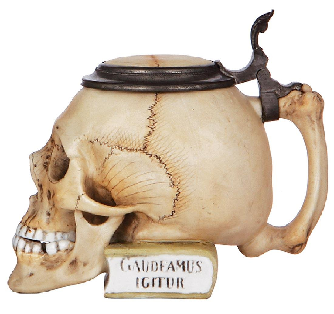 Character stein, Skull on Book - 2
