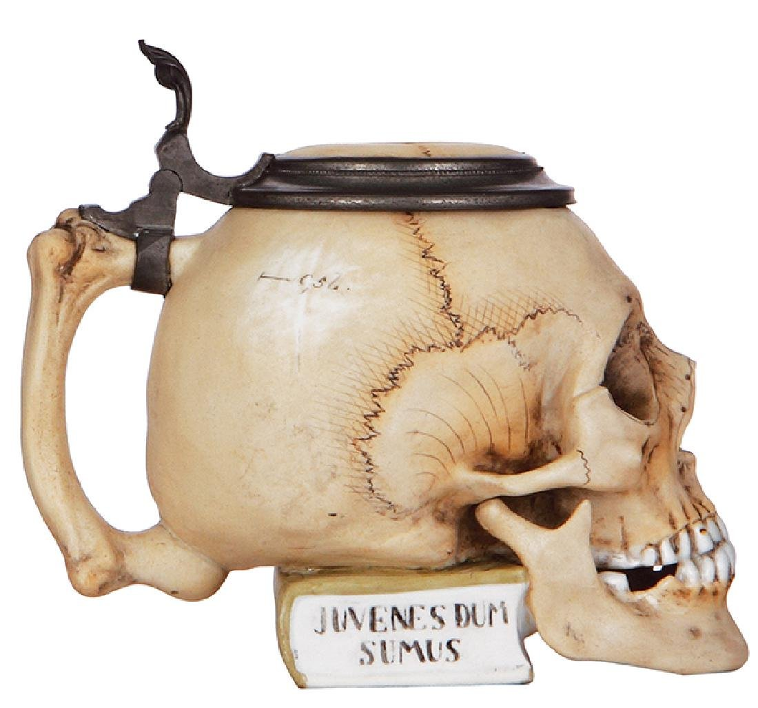 Character stein, Skull on Book - 3