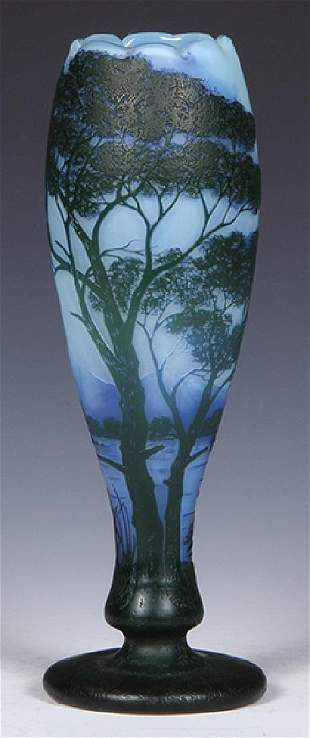 DeVez cameo glass vase, Cristallerie de Pantin