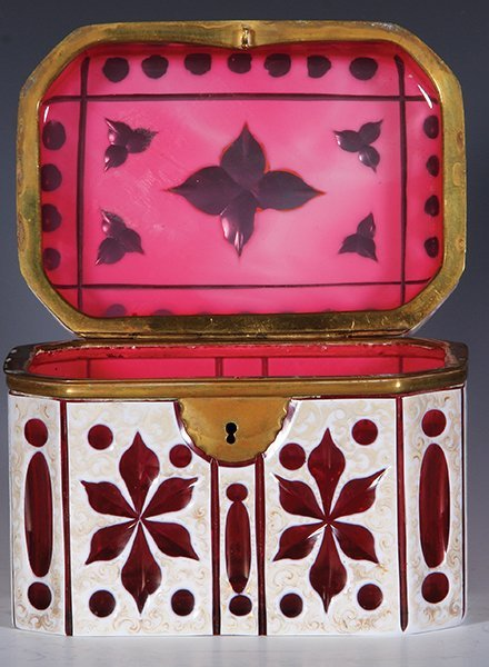 Glass jewelry box, white on ruby overlay - 3