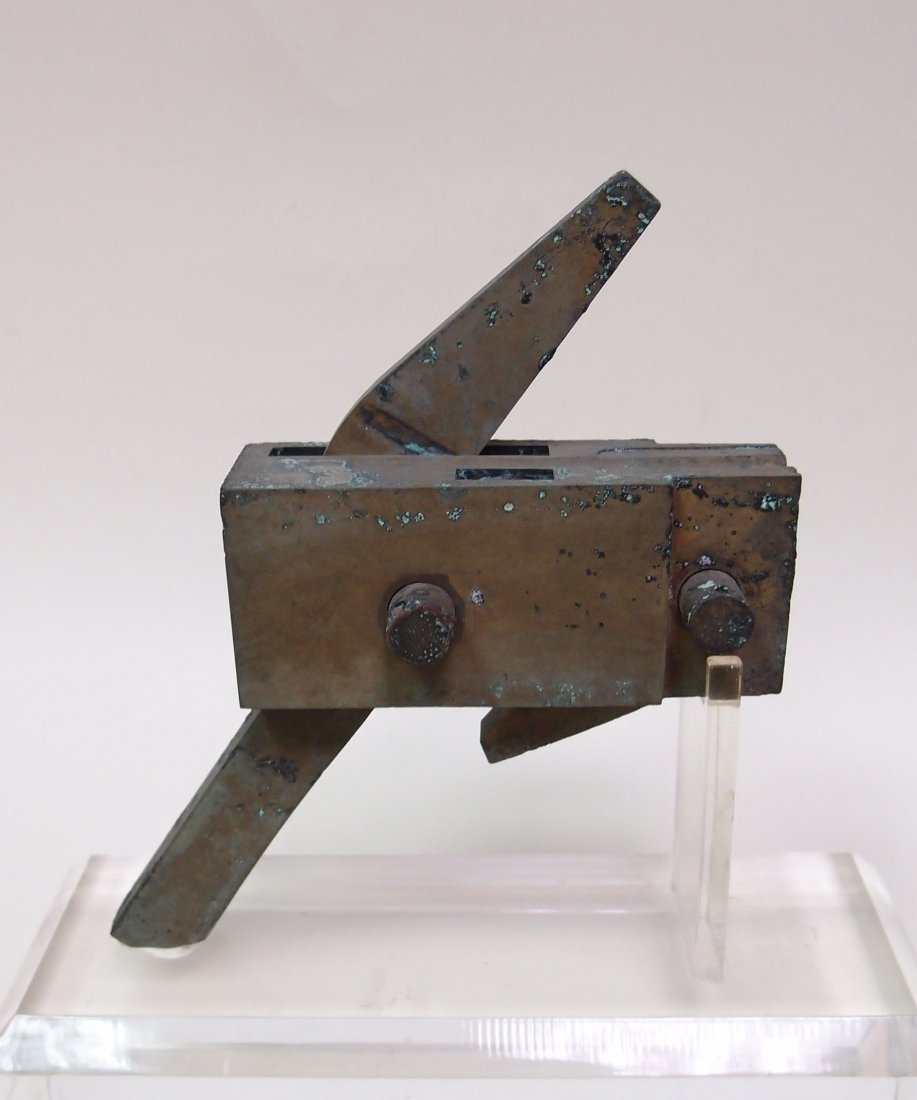 A Bronze Mechanism for Crossbow