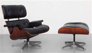 "HARLES E RAY EAMES  Una ""lounge chair"" con"