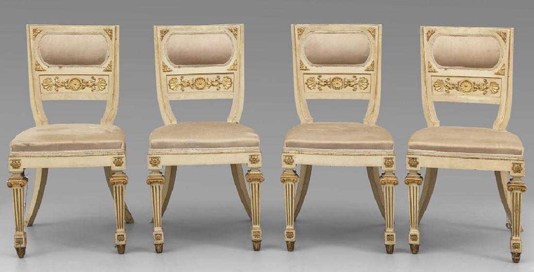 Nove sedie in legno intagliato e dorato,