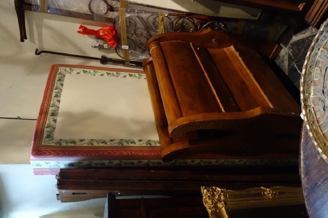 Letto a barca in mogano, sec.XIX cm. 153x200