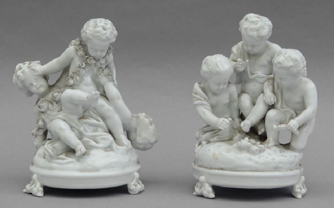 Coppia di gruppi in porcellana di Capodimonte