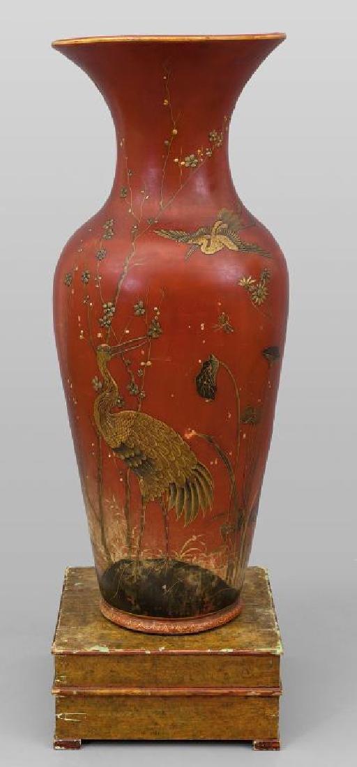 Grande vaso in terracotta a fondo rosso decorato