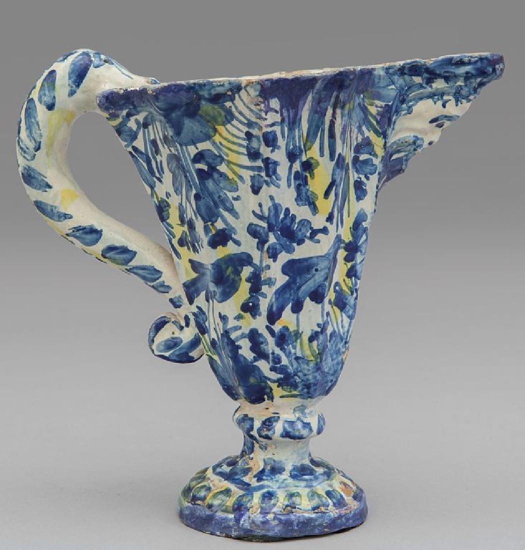 Versatoio in ceramica bianca e blu, Savona
