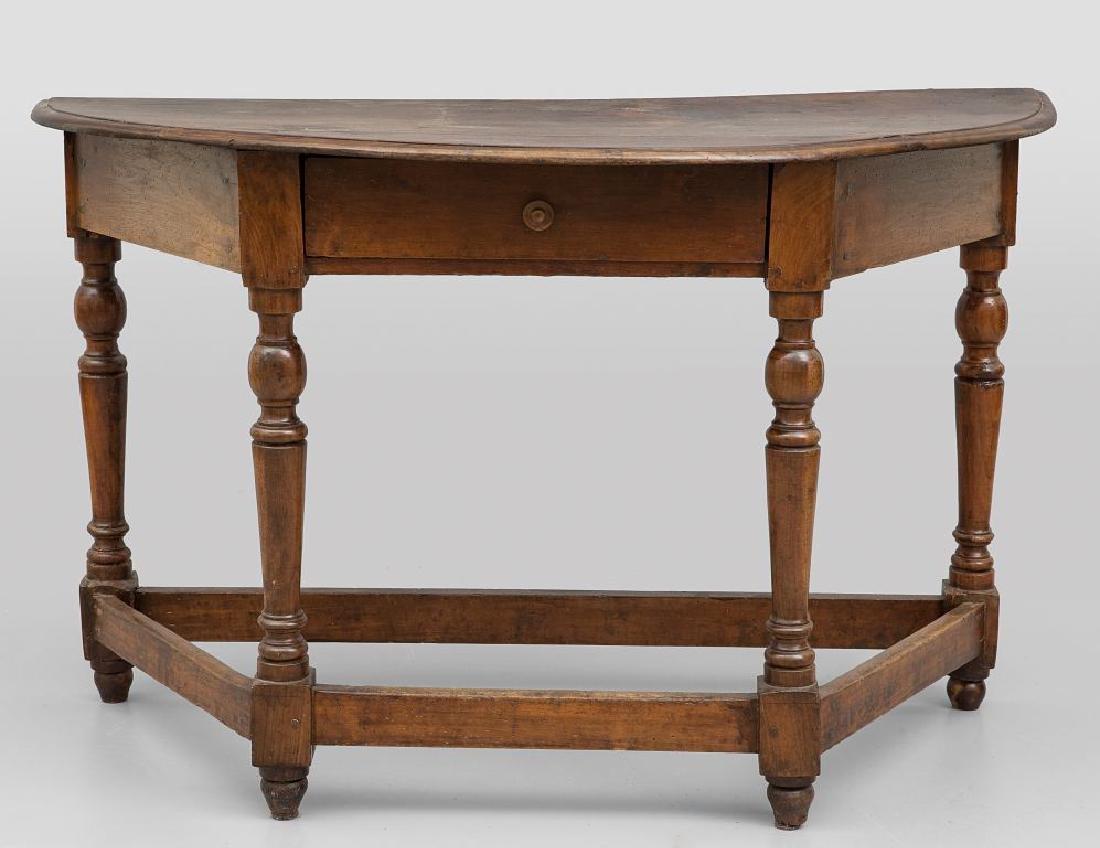 Mezzo tavolo a rocchetto in noce con un cassetto