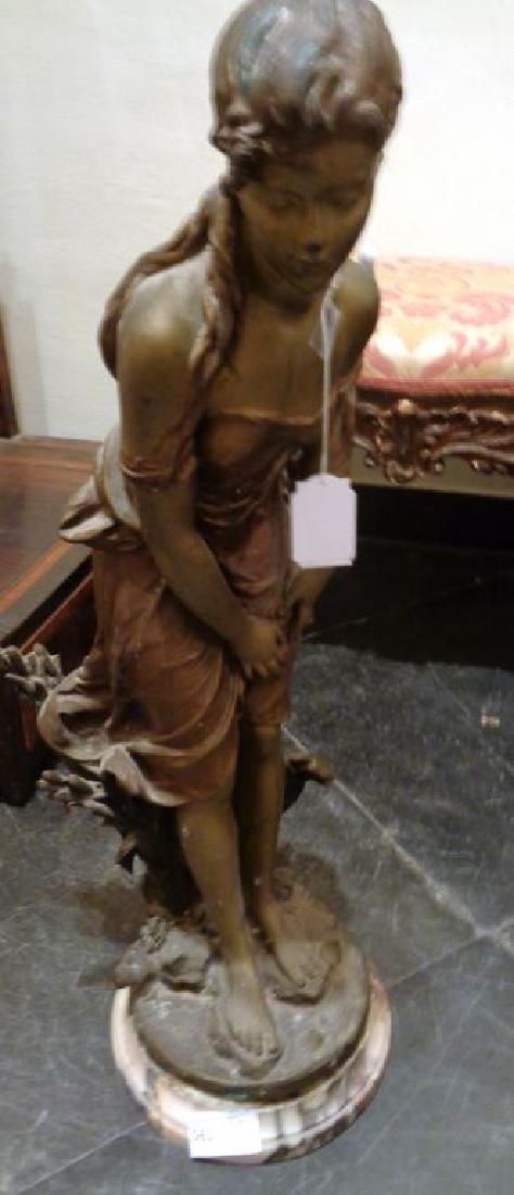 Fanciulla, scultura in metallo con basetta in