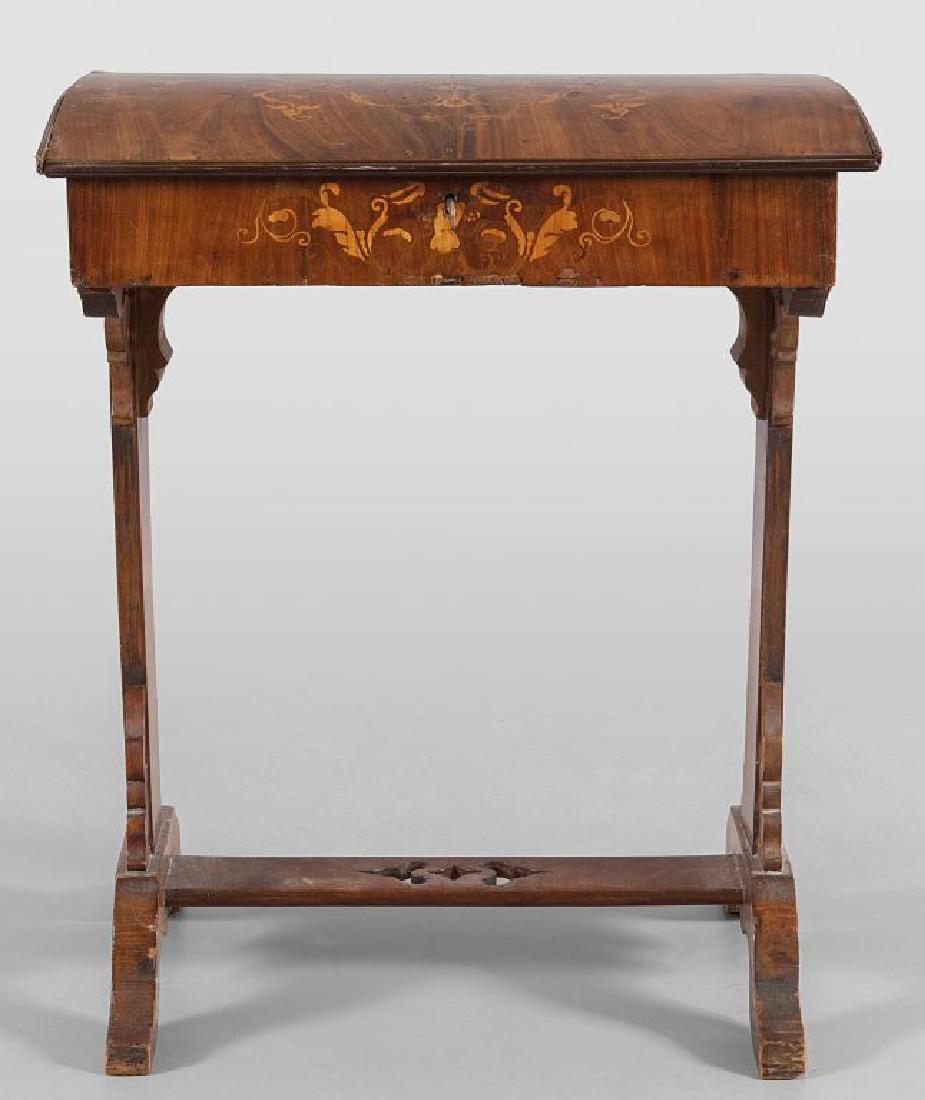 Tavolino da lavoro Carlo X in noce  intarsiato in