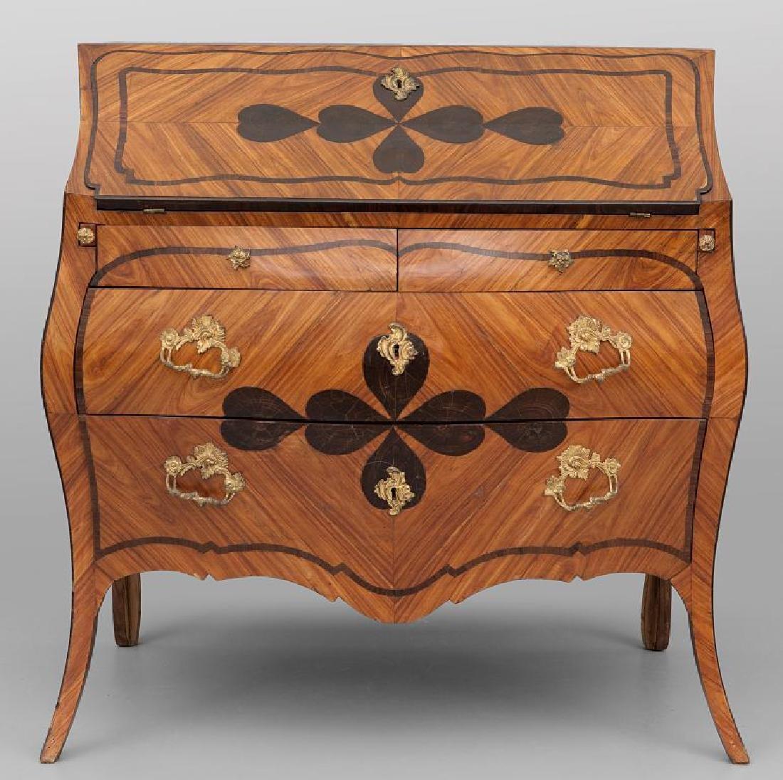 in stile Luigi XV lastronato in legno di