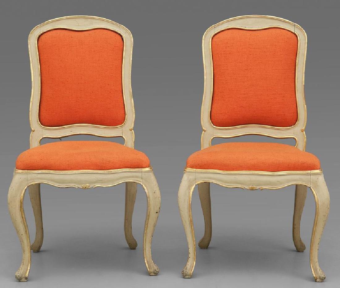 Sei sedie in stile Luigi XV in legno intagliato,