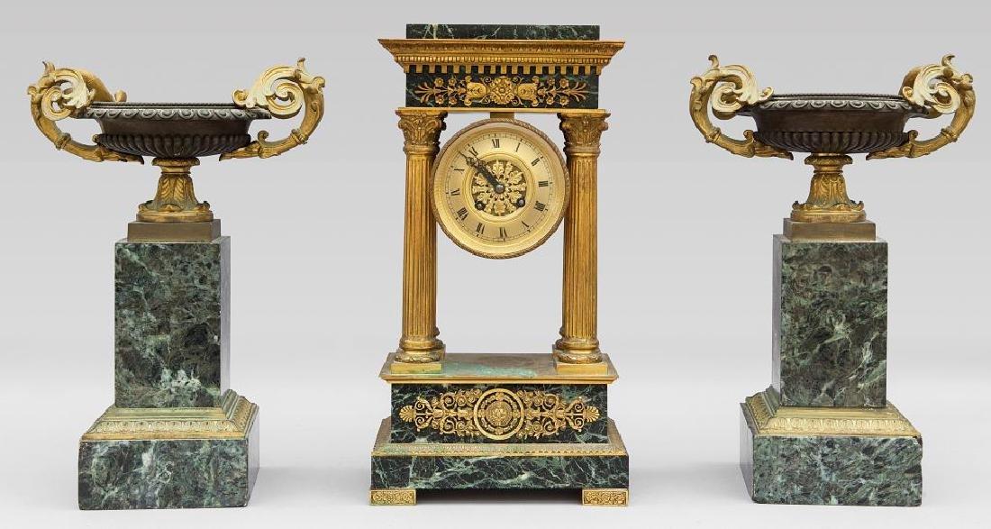 Decorazione da camino composta da orologio in