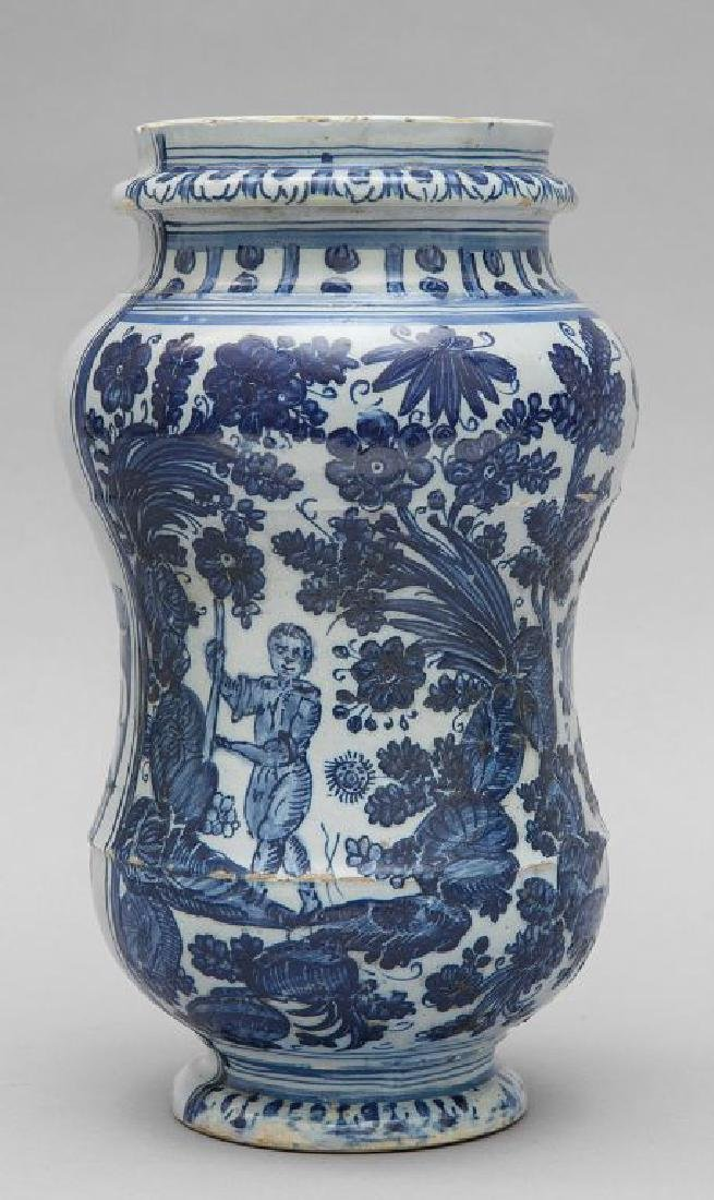 Albarello in ceramica bianca e blu decorata con