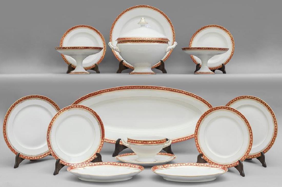 Servizio di piatti in porcellana di Ginori bianca