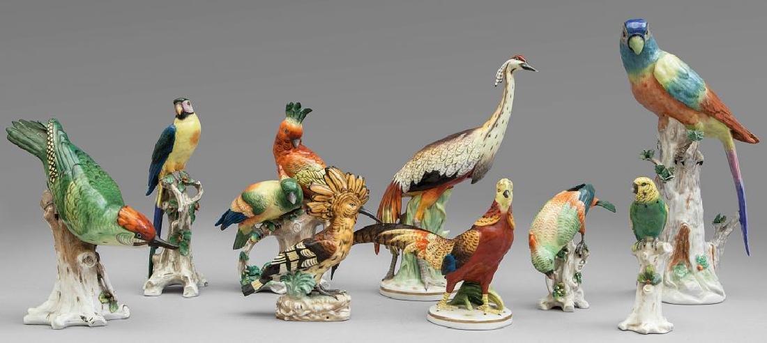 Nove uccellini in porcellana di Capodimonte