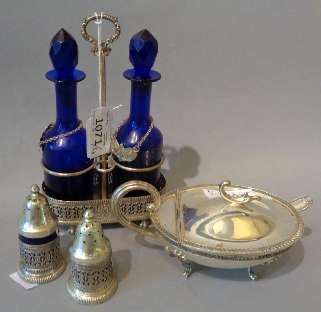 Oliera in argento con ampolline blu, due
