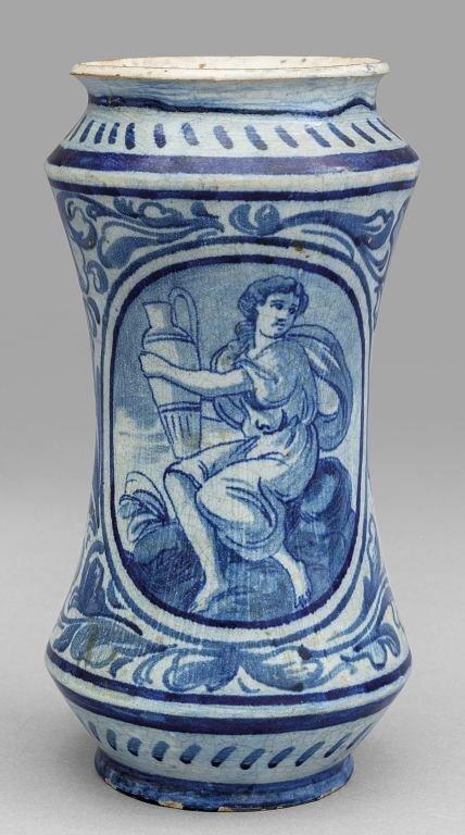 Albarello in ceramica, decorazione bianca e blu
