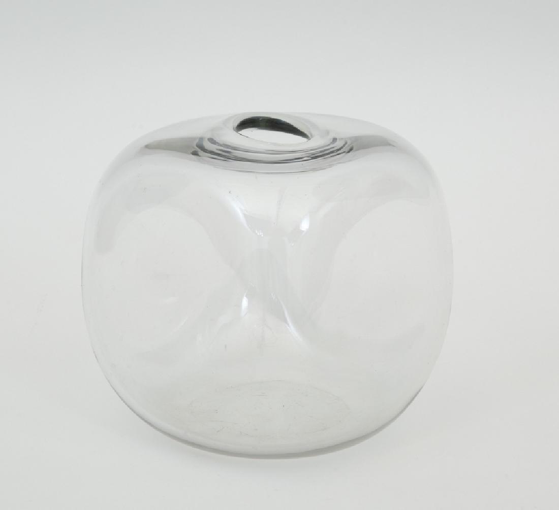 PAOLO TILCHE  Un vaso in cristallo per