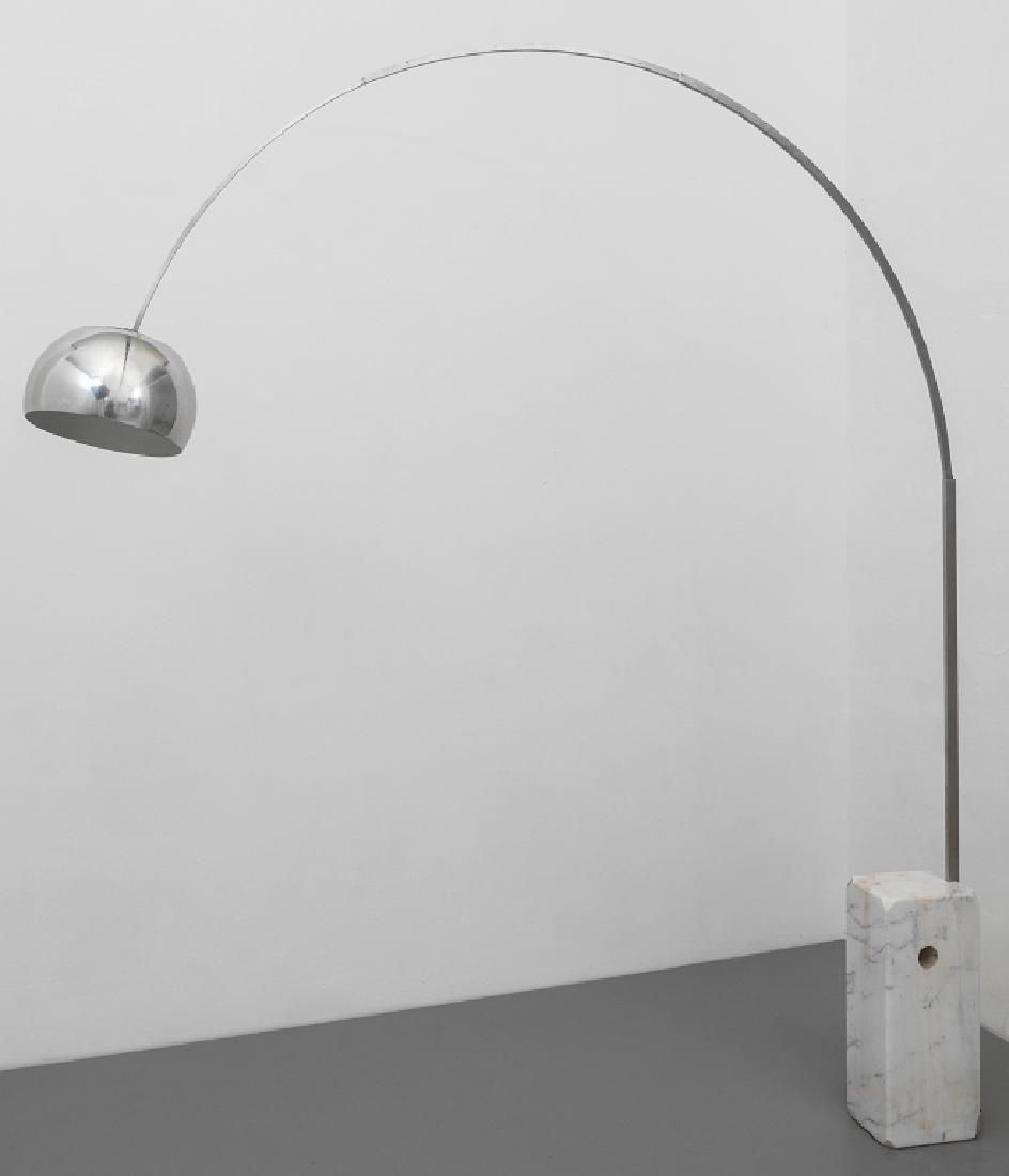 ACHILLE E PIER GIACOMO CASTIGLIONI Una lampada