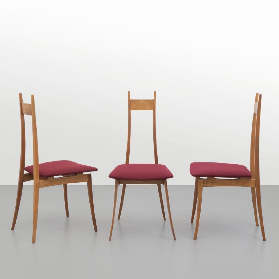 ANGELO MANGIAROTTI Tre sedie, esecuzione