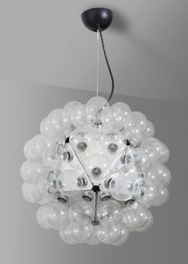 ACHILLE CASTIGLIONI  una lampada a sospensione