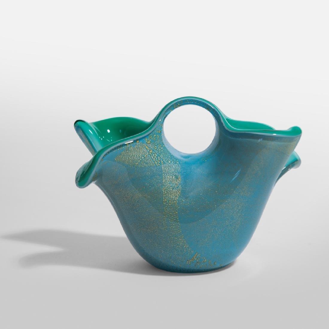 ARCHIMEDE SEGUSO Un vaso a cesto in vetro