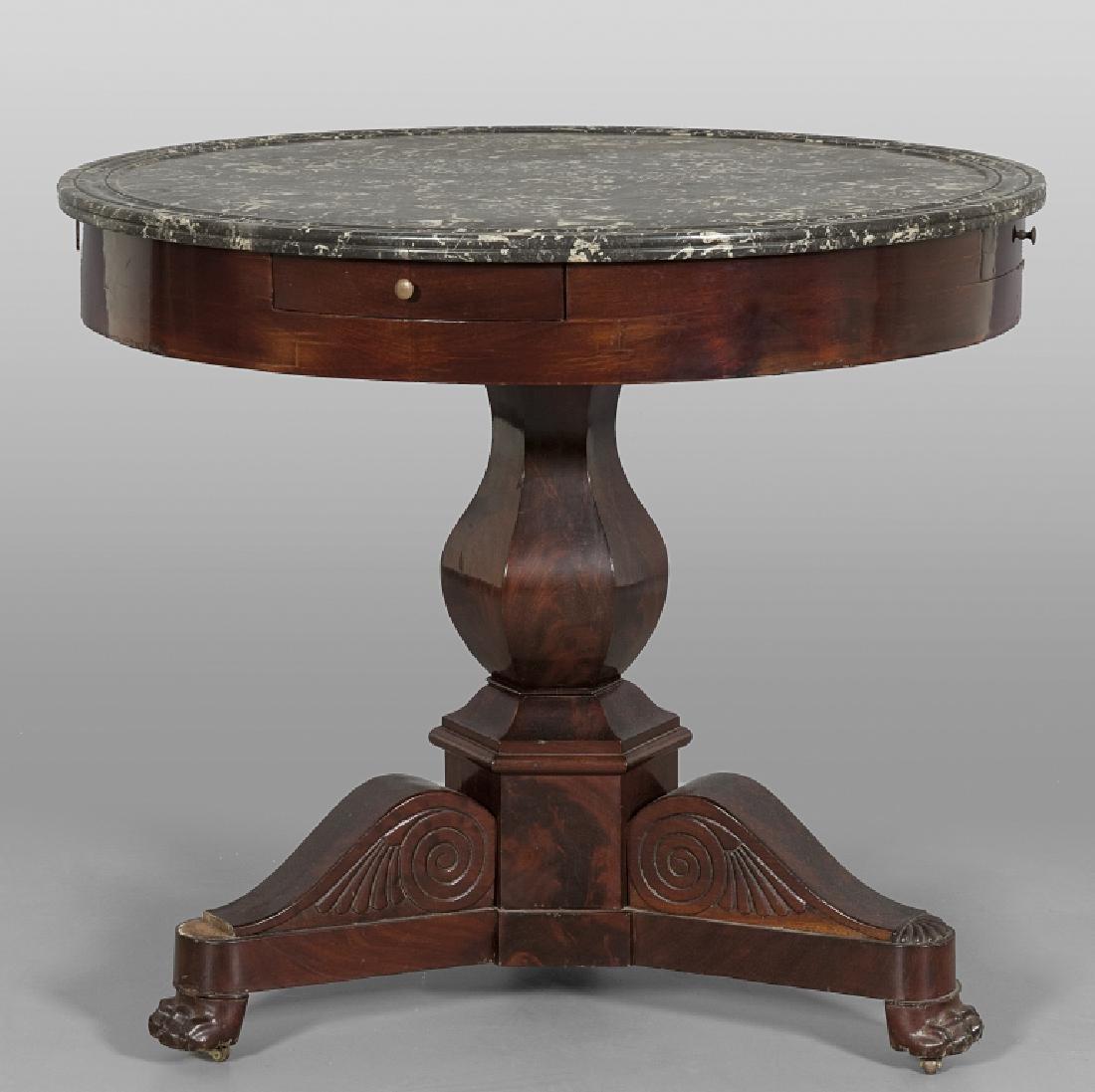 Tavolo da centro di forma rotonda lastronato in