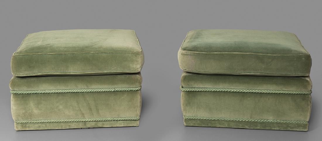 Coppia di pouff in velluto verde