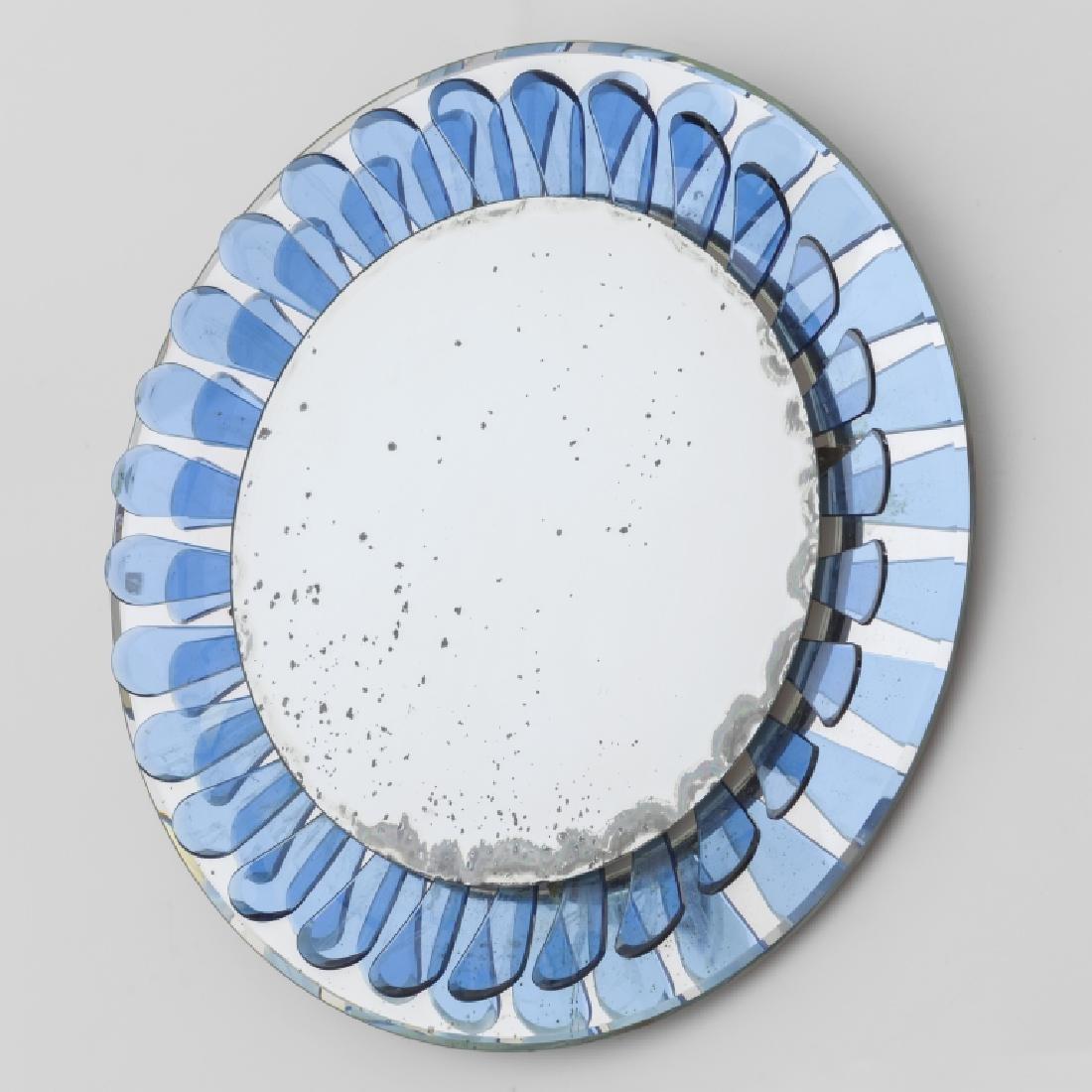MAX INGRAND Uno specchio da parete per FONTANA